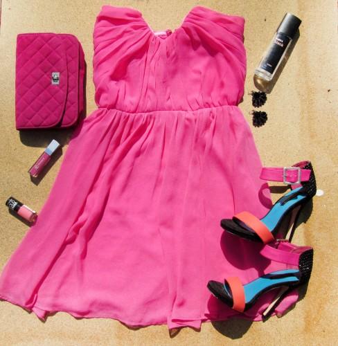 Romantický outfit na vlnách růžové
